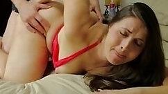 Big ass MILF Bonnie Rotten bangs doggy looker