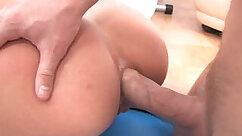 Blond Teen Fuck in Hotel Room